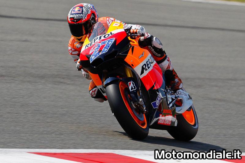 Casey Stoner infrange tutti i record di pista a Silverstone (Moto GP 2011)