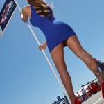 Una Red Bull Grid Girls in posizione (Moto GP 2100, Laguna Seca)