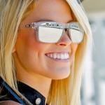 Primo piano grid girl del Red Bull U.S. GP (Moto GP 2100, Laguna Seca)