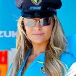 La poliziotta bionda del Team Rizla Suzuki (Moto GP 2100, Laguna Seca)