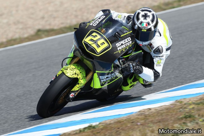 Andrea Iannone, pilota del team Speed Master, durante i test di Jerez (Moto2)