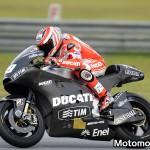 Nicky Hayden sulla Ducati GP12 durante i test di Sepang (foto 2)