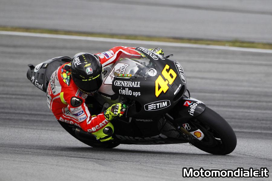 Valentino Rossi sulla Ducati GP12 durante i test di Sepang