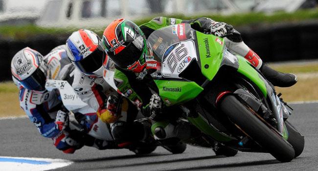 Tom Sykes subito competitivo con la Kawasaki Ninja ZX-10R nella prima giornata di Superbike