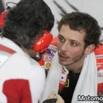 Valentino Rossi ai box con Filippo Preziosi