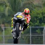 Valentino Rossi sulla Ducati GP12 in livrea nera durante la seconda sessione di test invernali a Sepang - foto 3