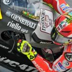 Valentino Rossi sulla Ducati GP12 in livrea nera durante la seconda sessione di test invernali a Sepang