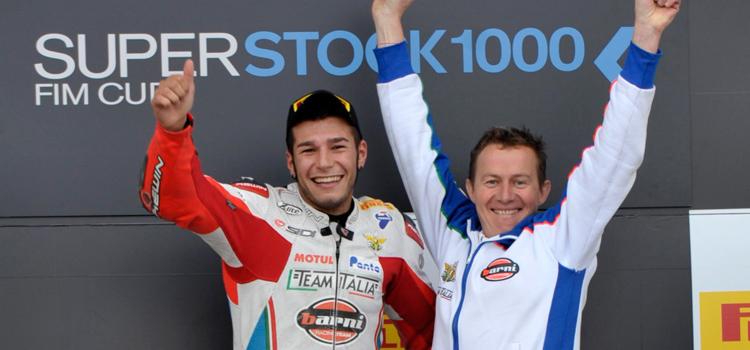 Eddi La Marra (Barni Racing Team Italia Ducati) festeggia la vittoria a Silverstone, Superstock 1000
