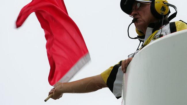 Bandiera rossa, moto di Ayrton Badovini prende fuoco