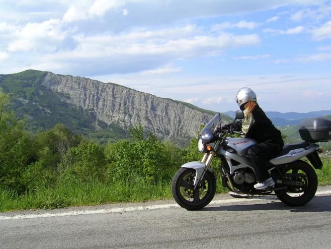 generica motociclista appennino reggiano