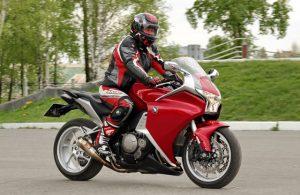 Come pianificare un viaggio in moto