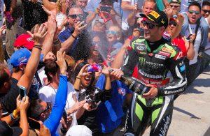 Rea-vittoria-Gara2-Laguna-Seca-podio